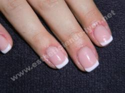 ongle gel gainage sur ongle naturel et french blanche